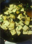 Tofu smażone z żurawiną i ziołami
